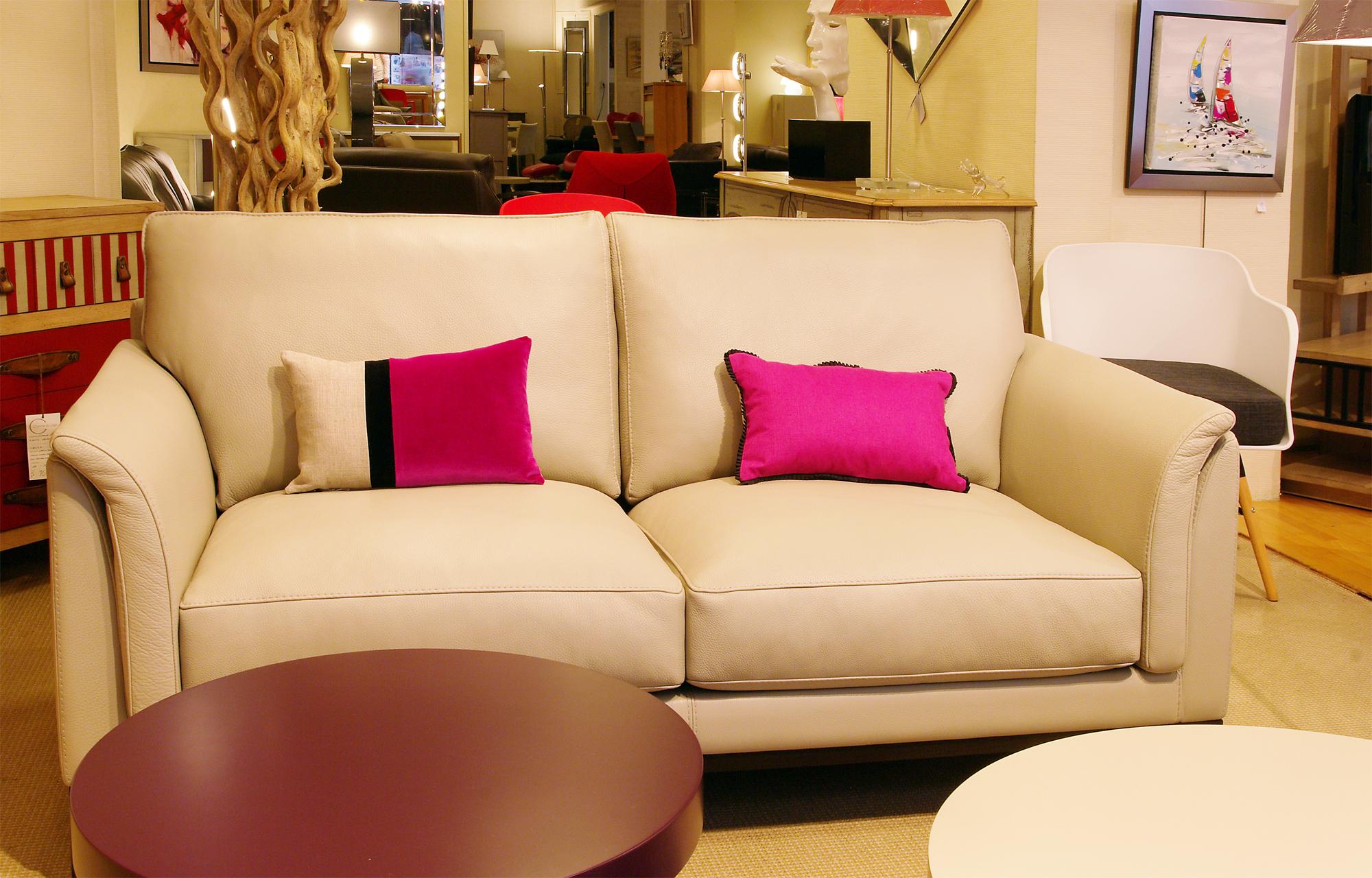 le canap caudalie en cuir d couvrir quimper. Black Bedroom Furniture Sets. Home Design Ideas