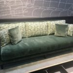 Canapé Swann de Ralph M, très personnalisable au niveau des tissus. Bientôt en magasin !